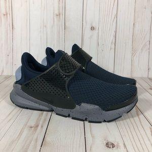 NEW Nike Sock Dart SE